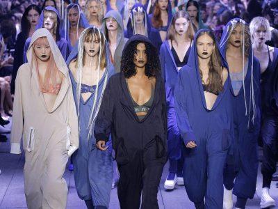 """Cuộc đổ bộ của """"binh đoàn xanh"""" từ DKNY"""